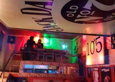 Bar 1057